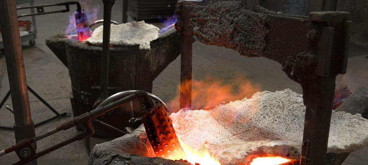 Casting furnace torch melt iron